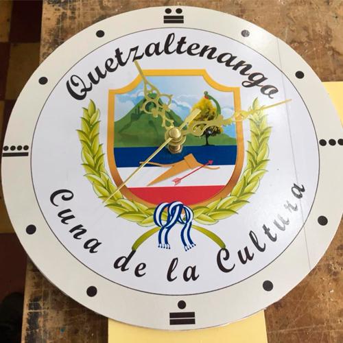 Guatemaltecos buscan construir el Reloj Monumental de Xela, 2018