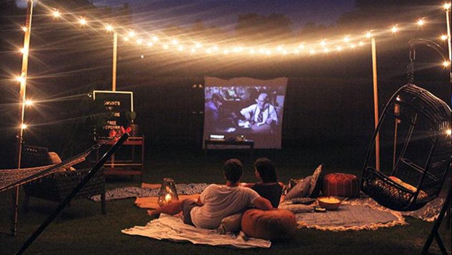 Noche de cine al aire libre para parejas | Noviembre 2018