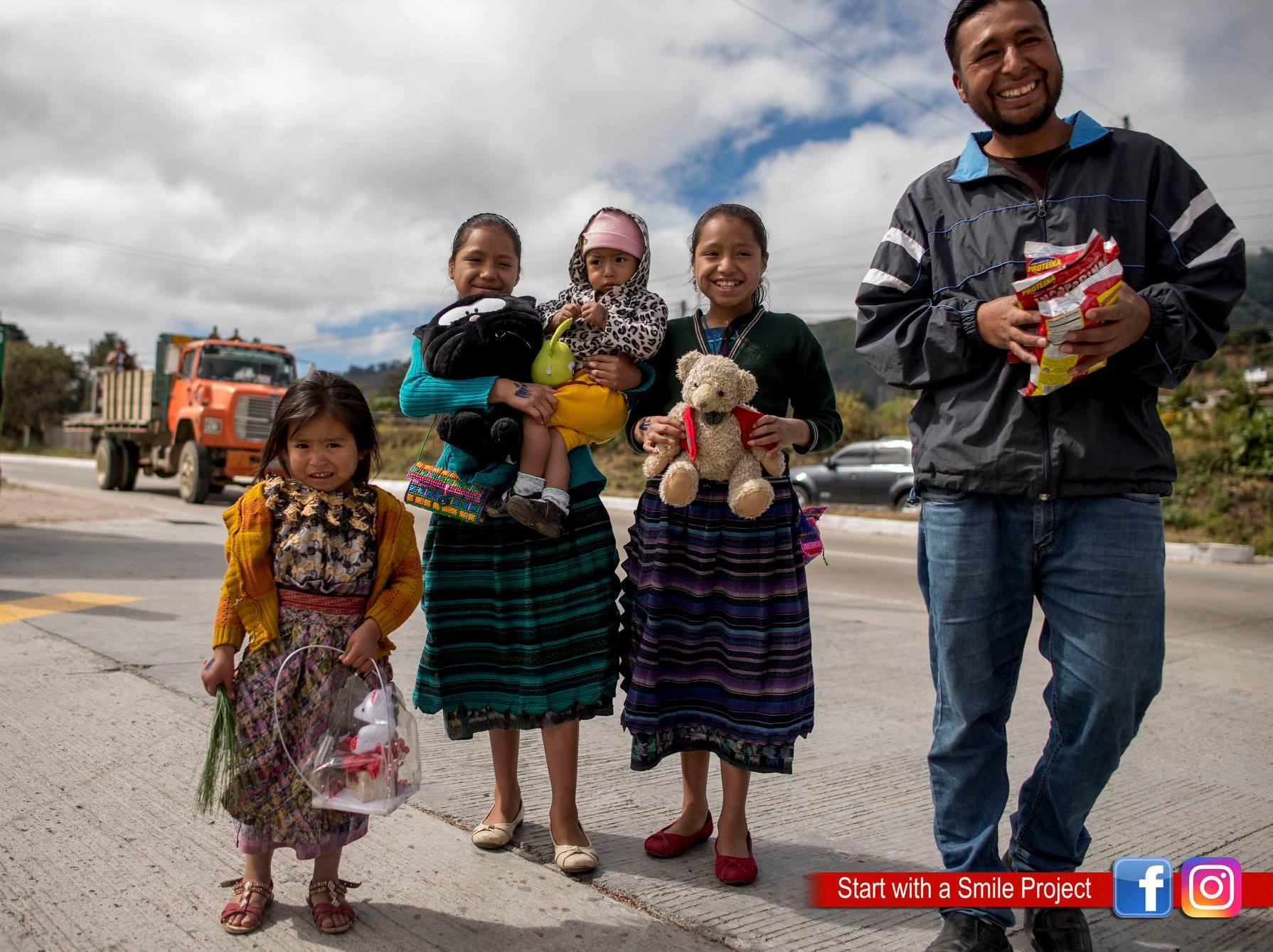 Qué puedes donar niños de la carretera hacia Tecpán