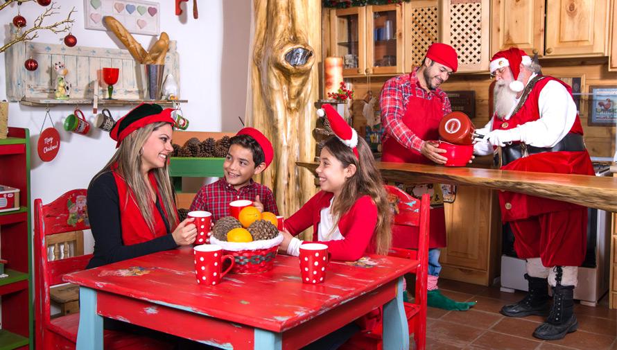 Sesión de fotografías navideñas en La Casa de Santa, en Tecpán