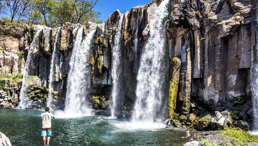 Viaje a las Cataratas Los Amates en Santa Rosa