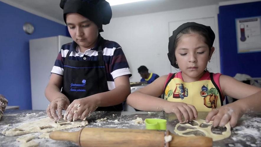Cine y clase de cocina para niños en Antigua Guatemala | Diciembre 2018