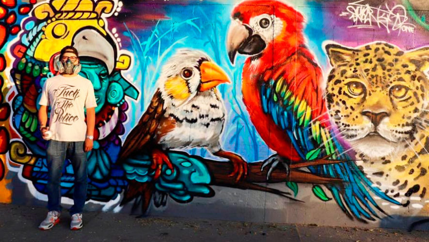 Coloridos murales del Zoológico La Aurora, Ciudad de Guatemala