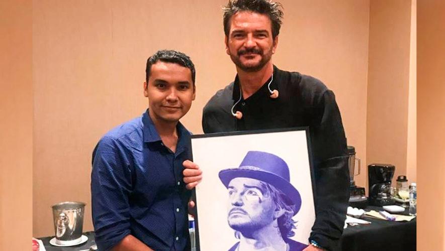 Edgar Lemus entregó retrato hecho con lapicero a Ricardo Arjona