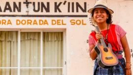 Entre la gente: la nueva canción de Sara Curruchich y el cantautor cubano Raúl Paz