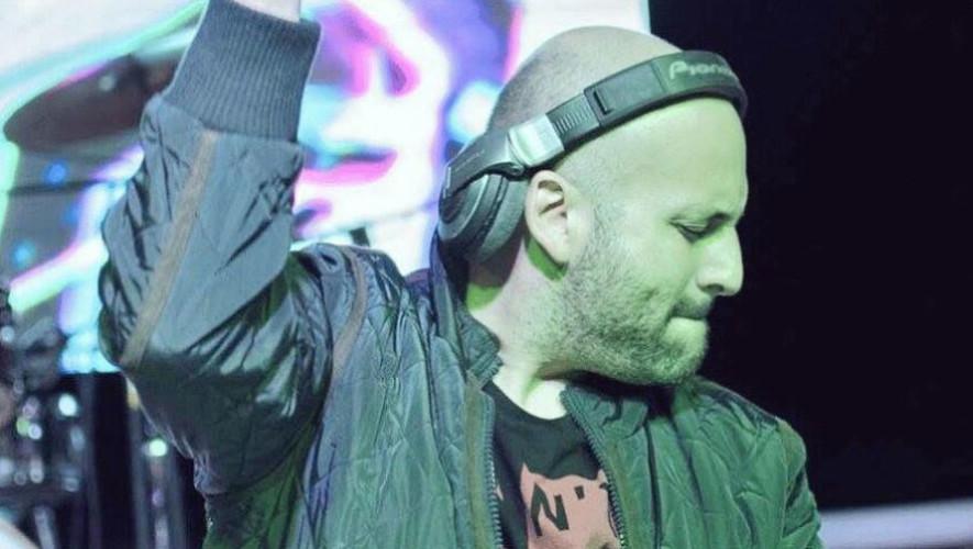 Fiesta de fin de año con DJ Francis Davila | Diciembre 2018