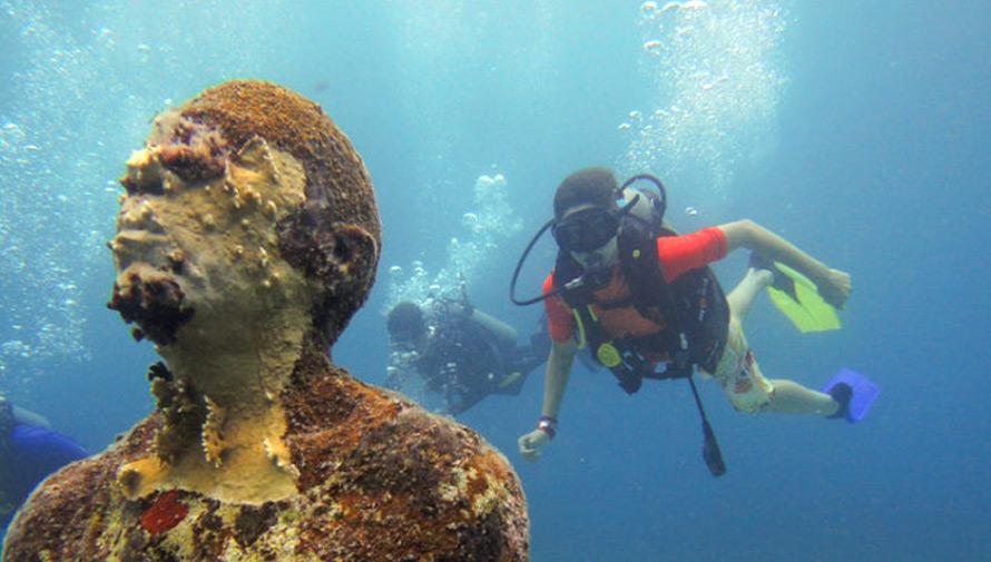 Viaje para conocer la primera galería subacuática de arte