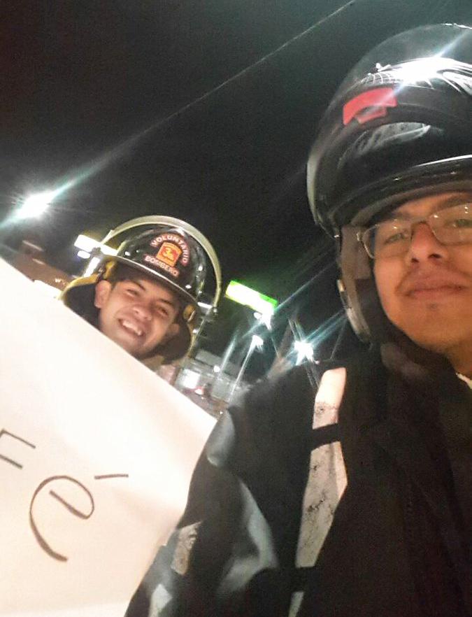Bomberos Voluntarios de San José Pinula regalaron café a los automovilistas