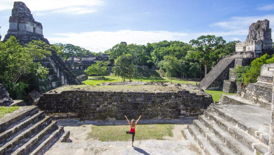 Cómo pasar un día en las ruinas de Tikal, según Globe Guide