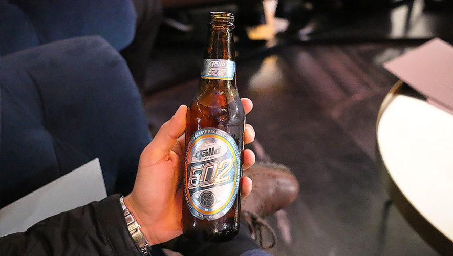 Gallo crea una nueva cerveza inspirada en los guatemaltecos, Gallo 502