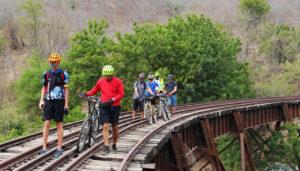 Paseo en bicicleta por las vías férreas de El Progreso   Enero 2018
