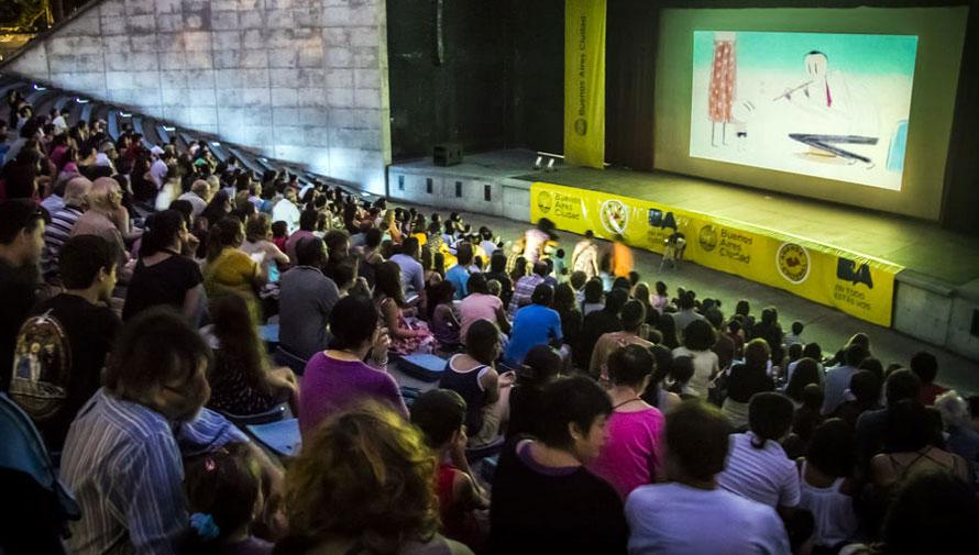Noche de cine italiano al aire libre