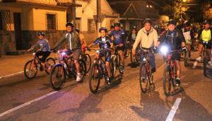 Colazo nocturno en bicicleta Lobato en Ciudad de Guatemala   Enero 2018