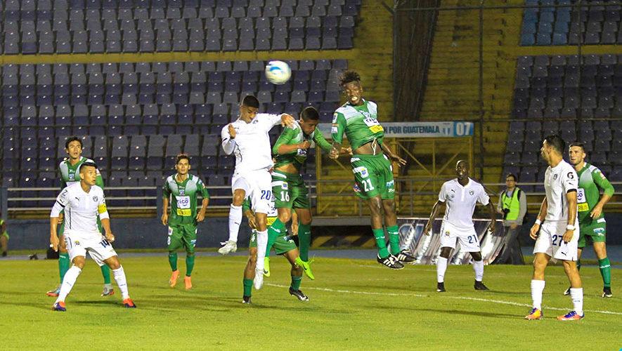 Partido de Comunicaciones y Suchitepéquez por el Torneo Clausura   Enero 2018