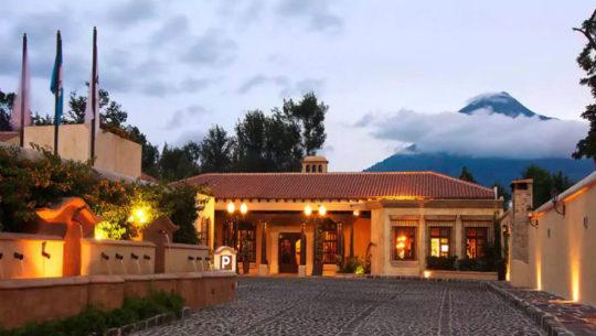 hoteles con parqueo en Antigua Guatemala