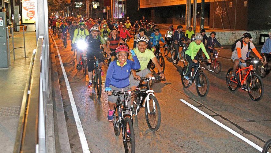 Tour nocturno en bicicleta por la Ciudad de Guatemala | Enero 2018