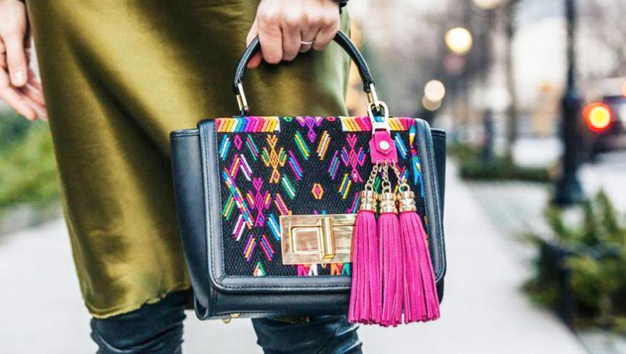 Bolso hecho por mujeres guatemaltecas destacó en la revista Vogue de Japón