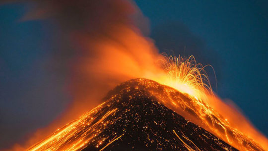 Foto del Volcán de Fuego en erupción fue destacada por NatGeo