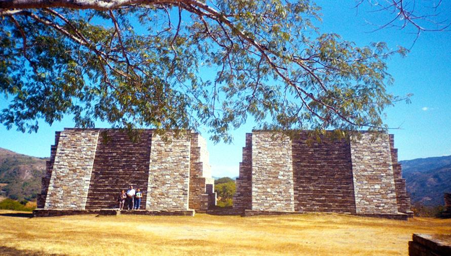 Sitio arqueológico Mixco Viejo destacó por sus ruinas gemelas