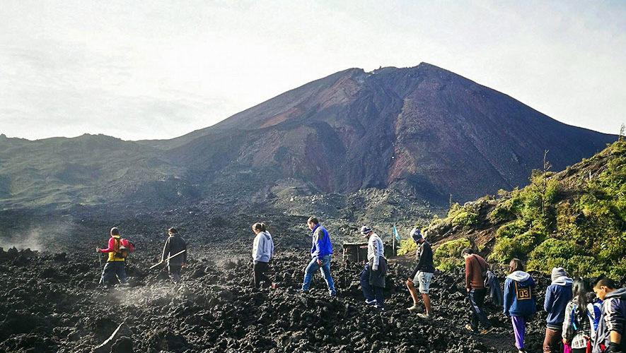 Ascenso al volcán Pacaya y visita a Laguna Calderas | Marzo 2018