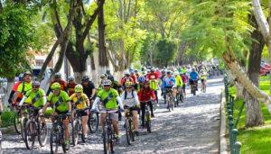 Tour en bicicleta por la Antigua Guatemala | Febrero 2018