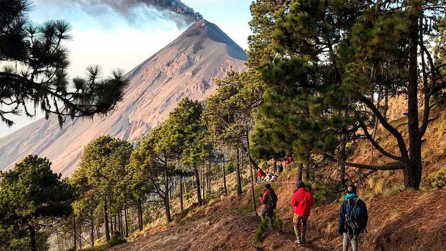 Ascensos a los volcanes Fuego y Acatenango | Marzo 2018