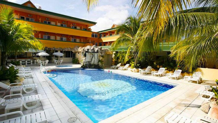 Hotel pet n espl ndido en pet n hoteles con piscina en for Hoteles en o grove con piscina