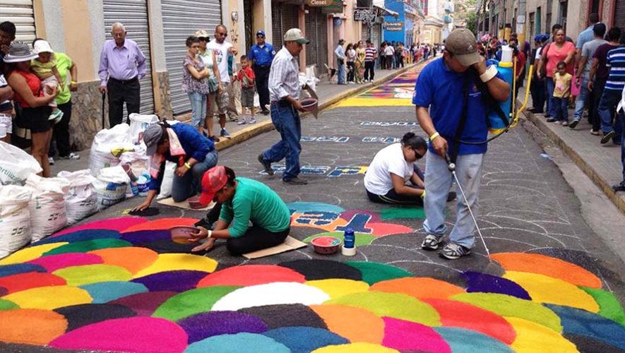 Participa en la elaboración de la alfombra más larga en Guatemala 2018