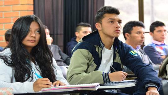 Tutorías de inglés gratuitas en la Ciudad de Guatemala