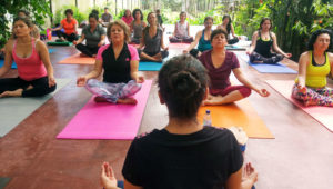 Talleres gratuitos de yoga con instructora de la India | 2018