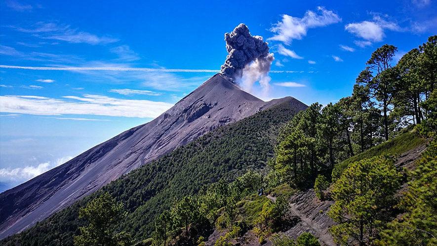 Ascenso nocturno al Volcán de Fuego | Marzo 2018