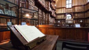 Exposición de Libros Antiguos de la Biblioteca de Roma en Guatemala |  Abril 2018