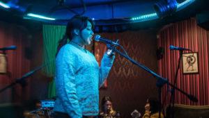 Noche de micrófono abierto en Antigua Guatemala | Marzo 2018
