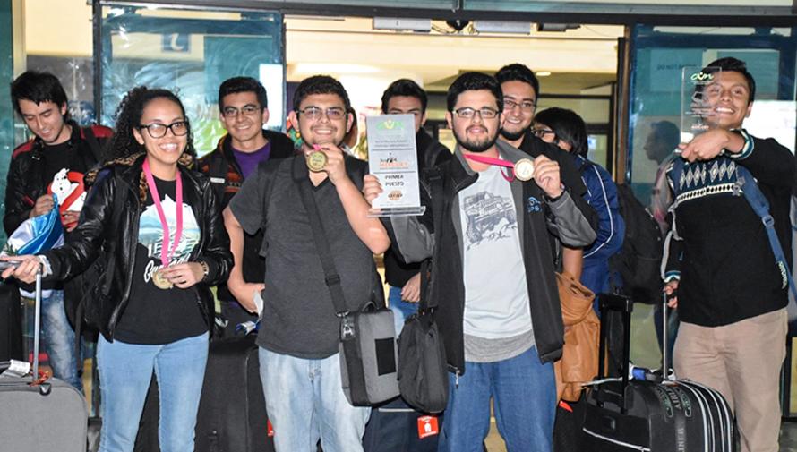 Estudiantes de la USAC ganaron el primer lugar en el Mercury Robotics Challenge