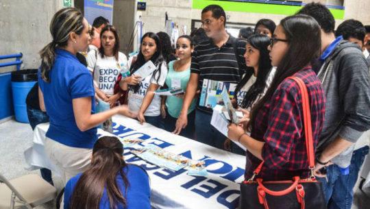 Guatemaltecos podrán optar a becas completas en la Ciudad de Guatemala