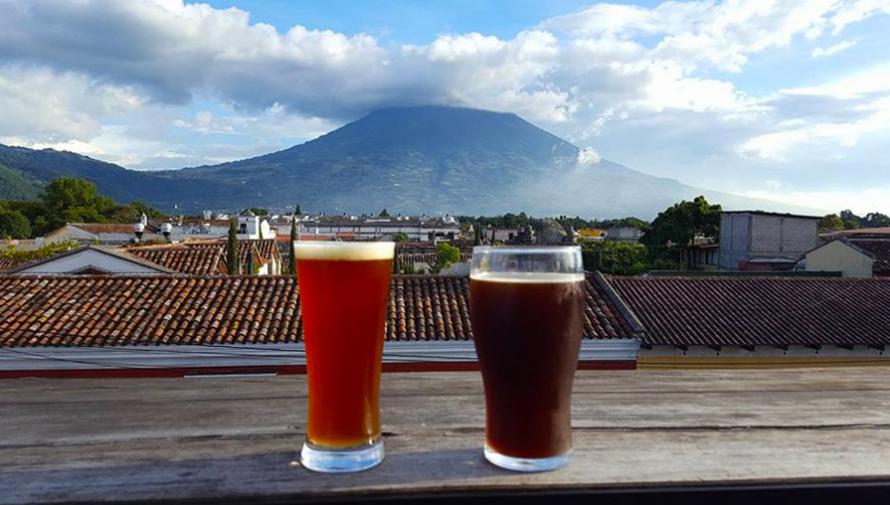 Iniciativa busca que Antigua Guatemala esté libre de pajillas, bolsas de plástico y duroport