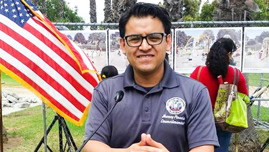 Jhonny Pineda, inmigrante guatemalteco es alcalde de Huntington Park, California