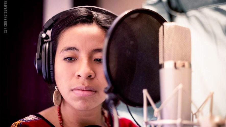 La cantante guatemalteca Sara Curruchich graba su primer disco en Europa