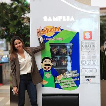 Máquina expendedora de productos gratis traída al país por guatemalteca