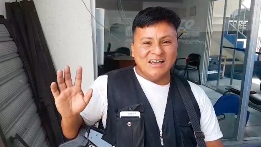 Pedro Pérez, guardia guatemalteco, sorprende al habla 10 idiomas