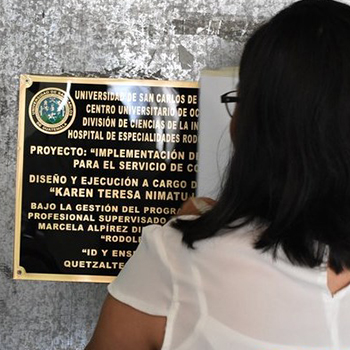 Universitaria guatemalteca diseñó y construyó cuarto frío para hospital