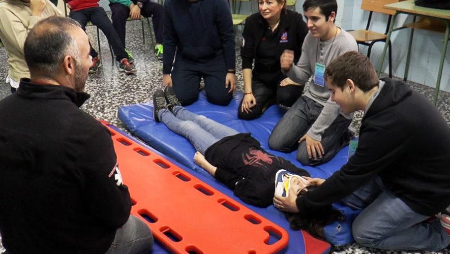 Taller gratuito de primeros auxilios en Villa Canales | Abril 2018