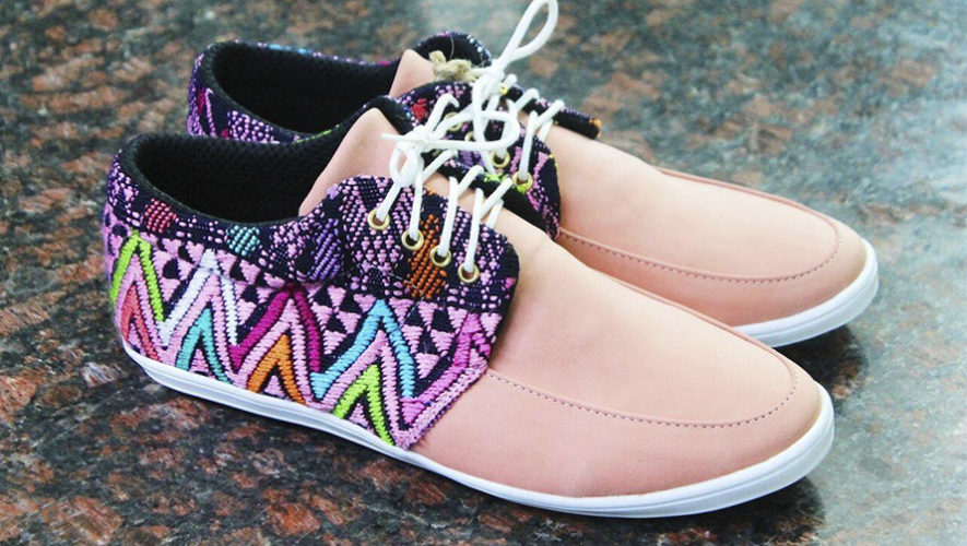 Wanderlust Wear, zapatos y accesorios personalizados de Guatemala