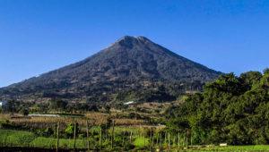 Ascenso de 1 día al volcán de Agua   Abril 2018
