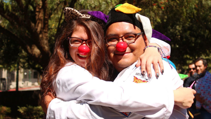 Convocatoria para voluntariado de Fábrica de Sonrisas Xela | Abril 2018