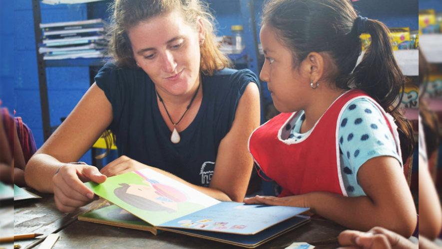 La Choza Chula, brinda apoyo a la educación de jóvenes de El Paredón, Escuintla