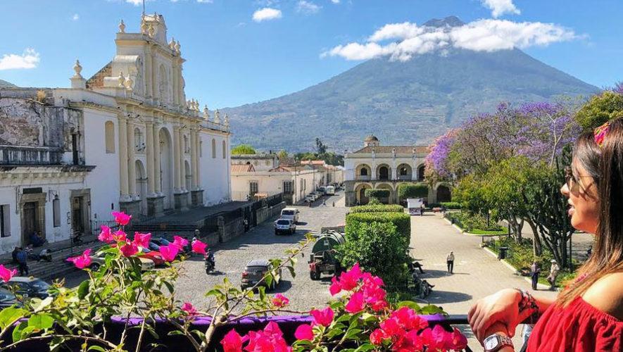Teatro gratuito en el Parque Central de Antigua   Mayo 2018