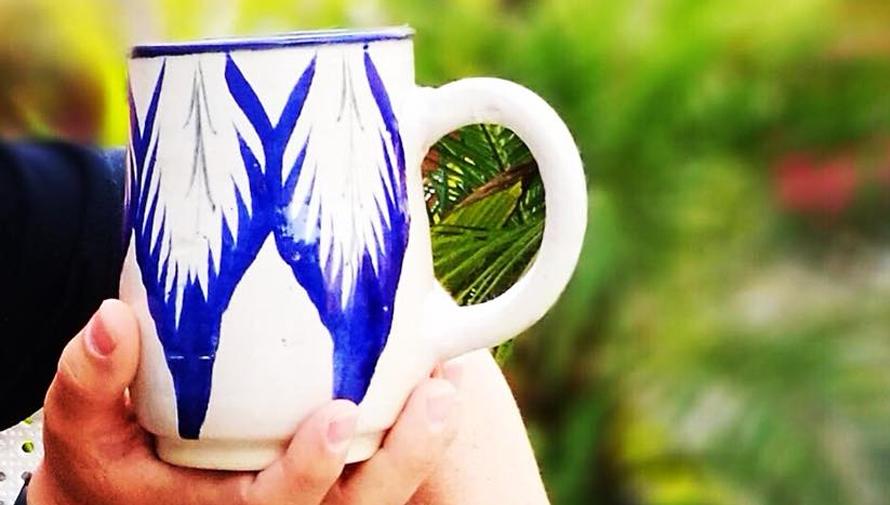 Vajillas pintadas a mano por artesanos guatemaltecos