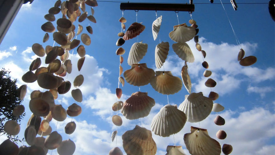 Taller para niños de sonajeros de viento en Saúl L'Osteria | Mayo 2018