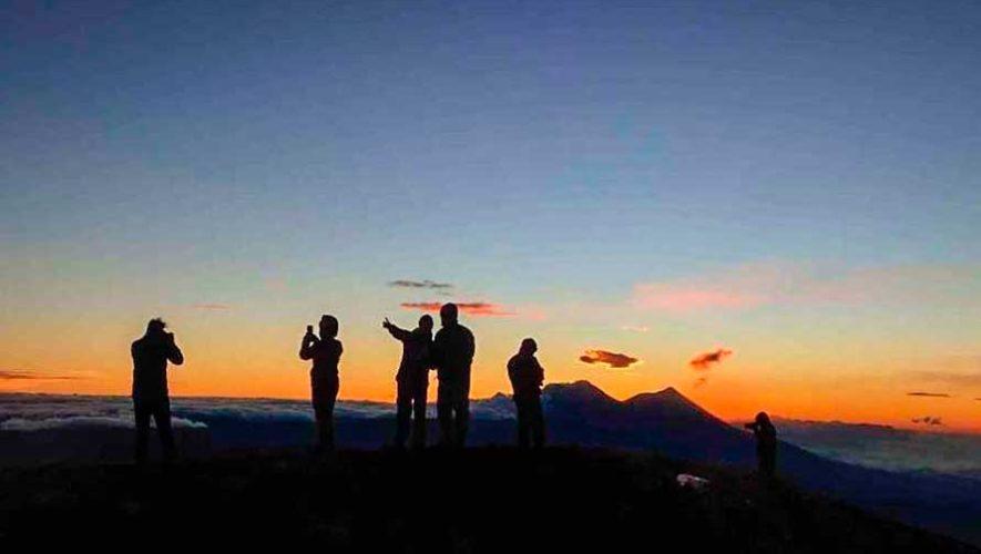 Ascenso nocturno al Volcán de Atitlán   Junio 2018